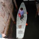 a bordo della barca vandalizzata